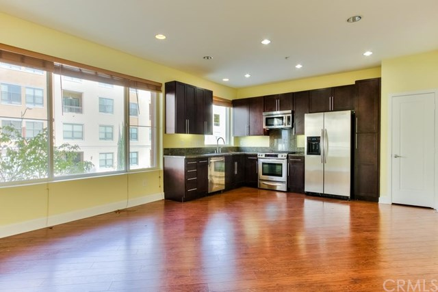 Long Beach Condos For Sale & Rent